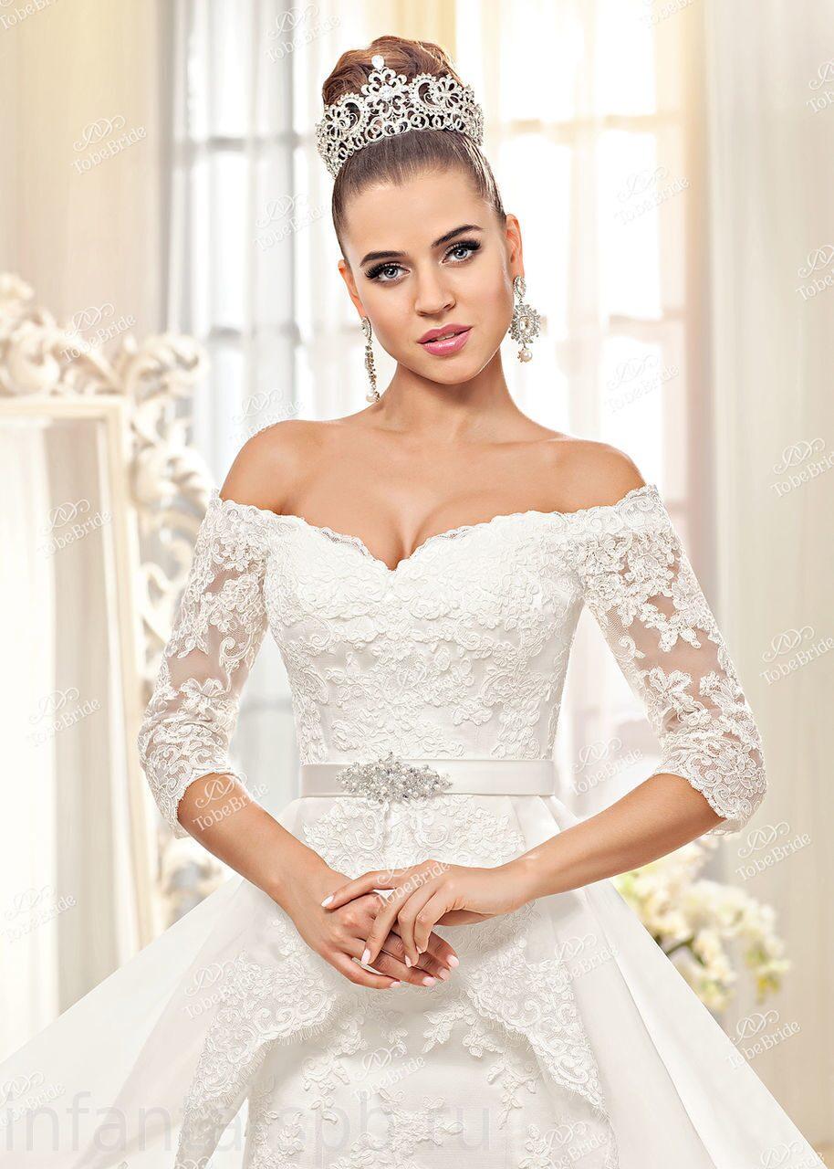 Платья свадебные с декольте