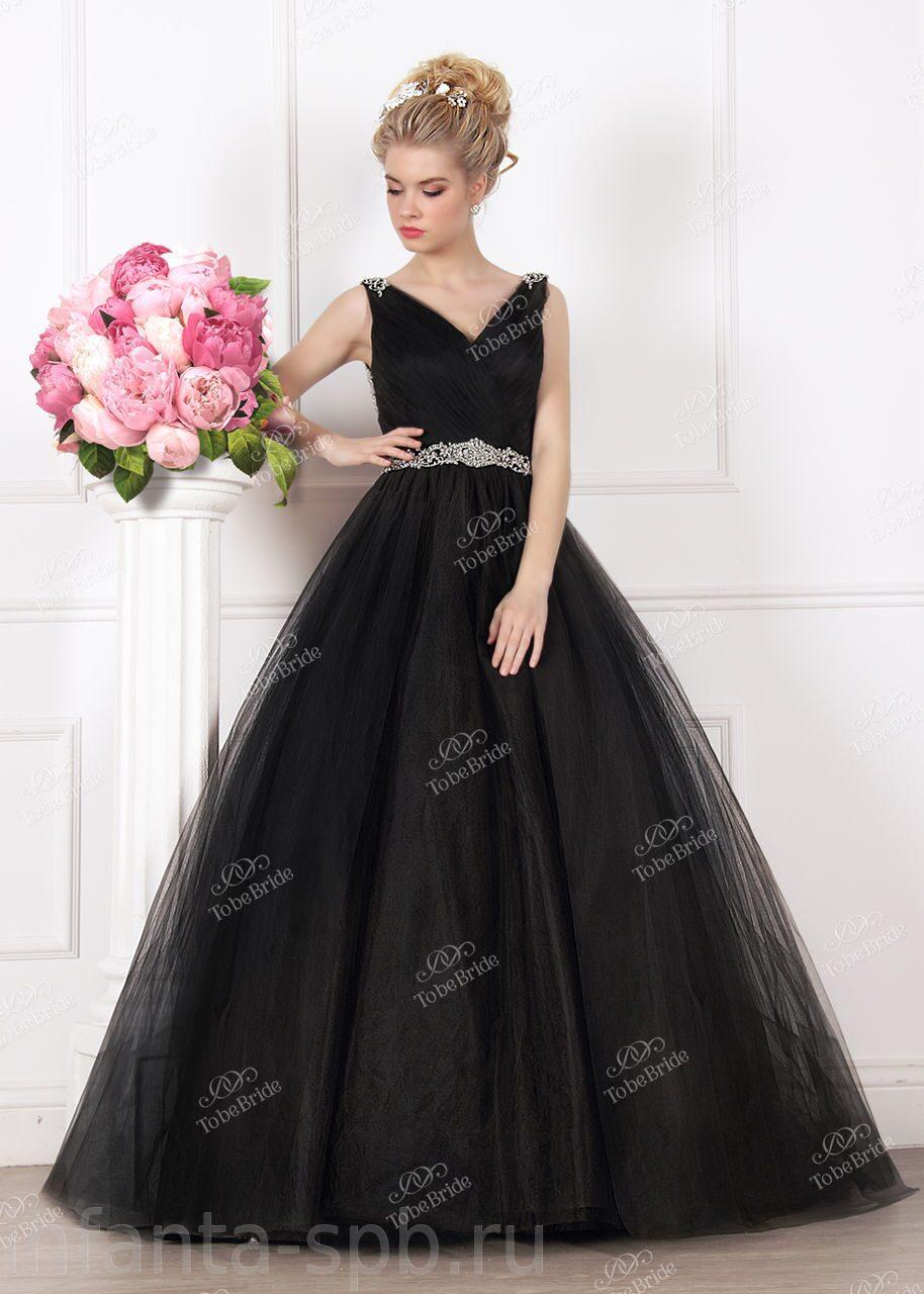 Пышное черное вечернее платье