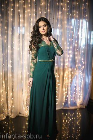 28c72a8496a Вечернее платье в пол с кружевными рукавами изумрудного цвета